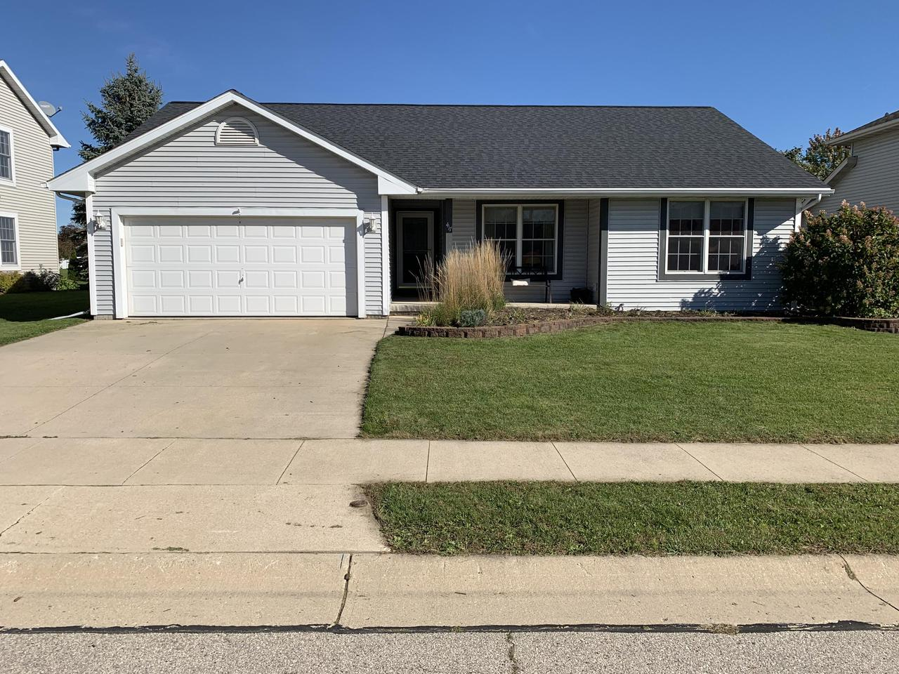 Well maintained ranch located in the desirable Settlement Ridge subdivision. Open concept floor plan with 3 bedrooms and 2 full bathrooms on the main level and a 4th bedroom with egress window on the lower level. Convenient first floor laundry and all appliances are included. Warm yourself this winter next to the gas fireplace. Low maintenance exterior with a newer roof installed in 2017. Call me today to schedule your private showing.