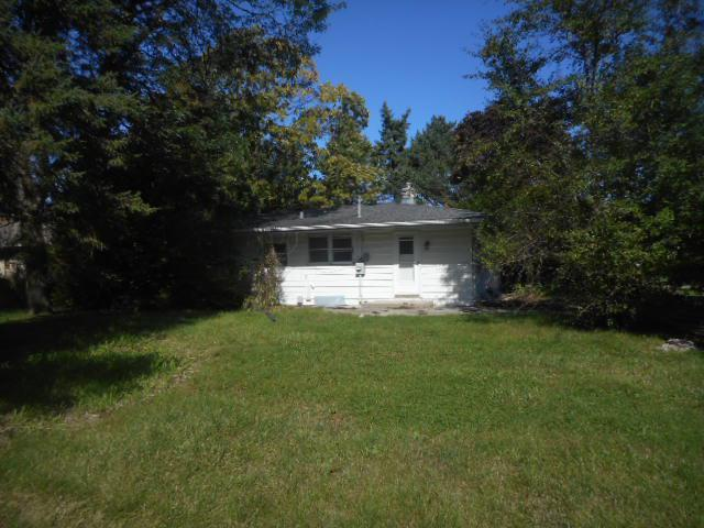 Three bedroom 1.5 bath Menomonee Falls ranch with 2.5 car garage, situated on over a half acre wooded lot. Shopping, dining, entertainment, schools, parks and freeway access all located within a 10-15 minute drive!