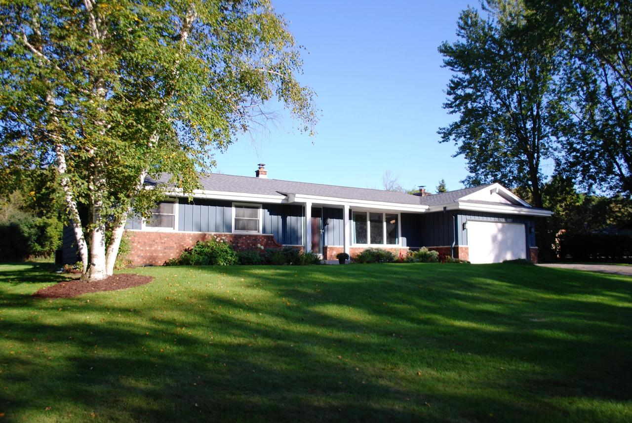 Beautiful town of Erin Ranch. This home is set on an acre with 3 bedrooms, 2 full baths. Large kitchen with new paint and counter tops. Many updates including roof, counter tops, egress window in basement, bathroom remodeled with shower added. New flooring. A must see home in the town of Erin.