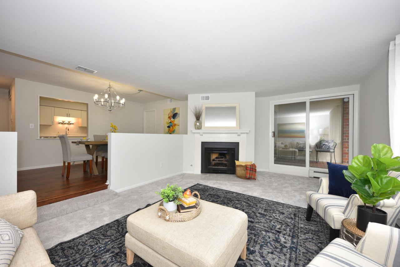 450 E Beaumont Ave AVENUE 1002, WHITEFISH BAY, WI 53217