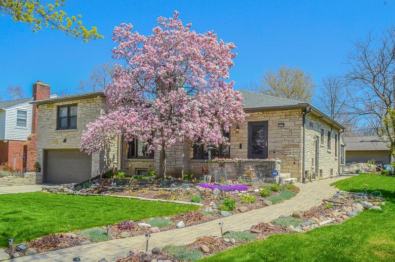 4660 N Ardmore Ave AVENUE, WHITEFISH BAY, WI 53211