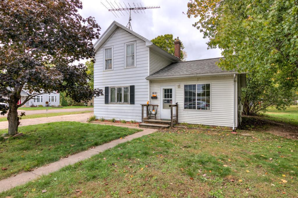 1621 11th Ave AVENUE, BLOOMER, WI 54724
