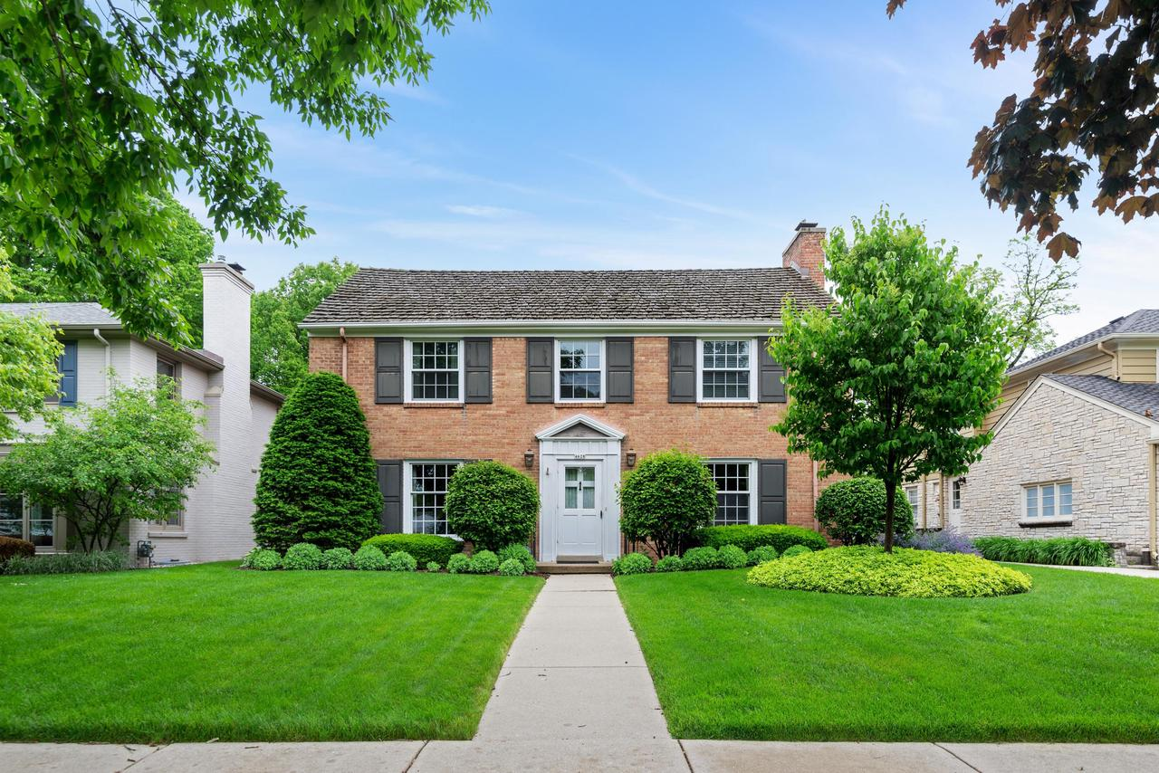 4628 N Wilshire Rd ROAD, WHITEFISH BAY, WI 53211