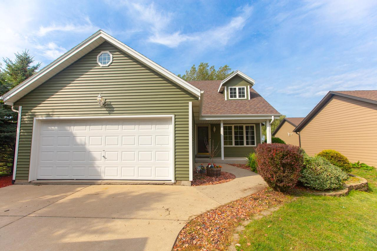 7316 E Wind Lake Rd ROAD, NORWAY, WI 53185