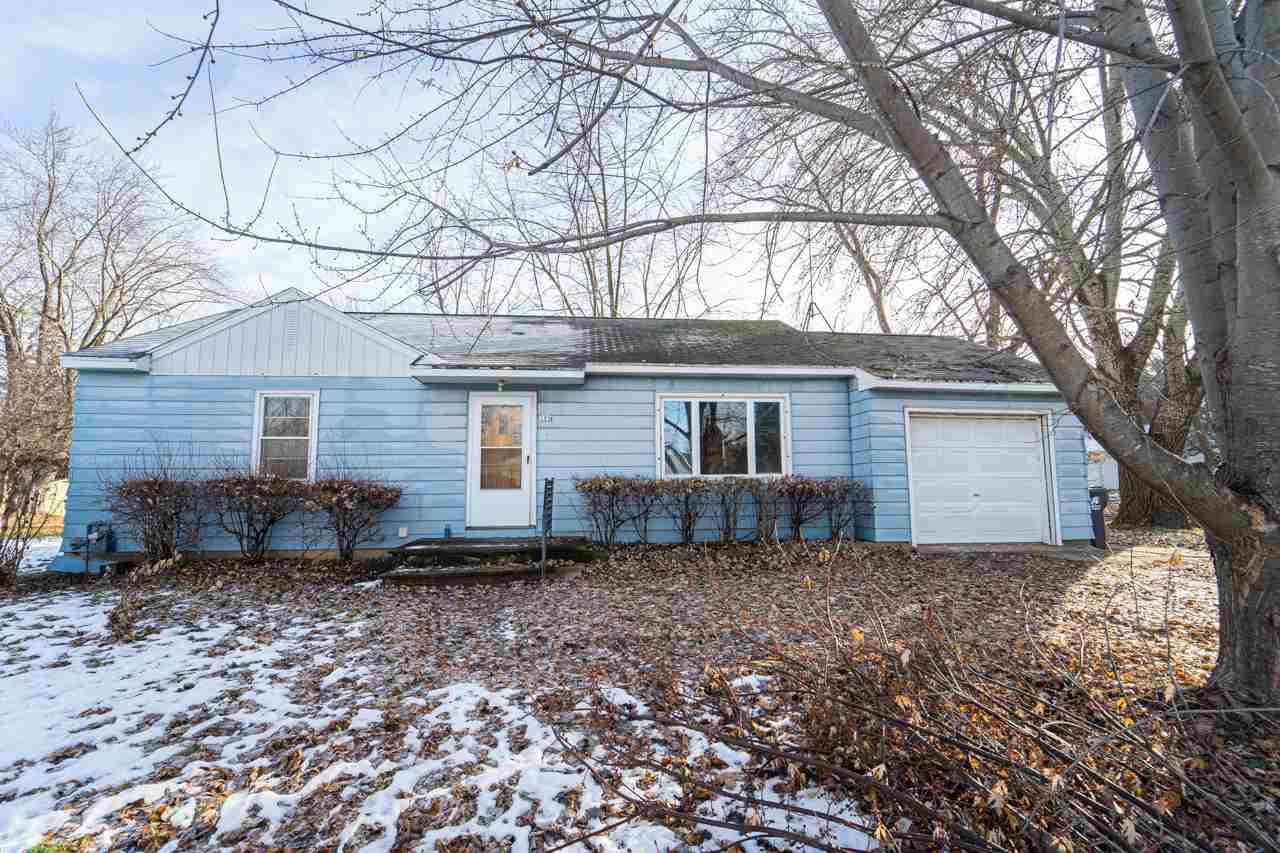 Nicely updated home with a great location!  Brand new kitchen, new bathroom and hardwood flooring as well.  Big loft area for extra storage and home has a big lot including a basketball court as well.  Schedule your showing today before this one is gone!