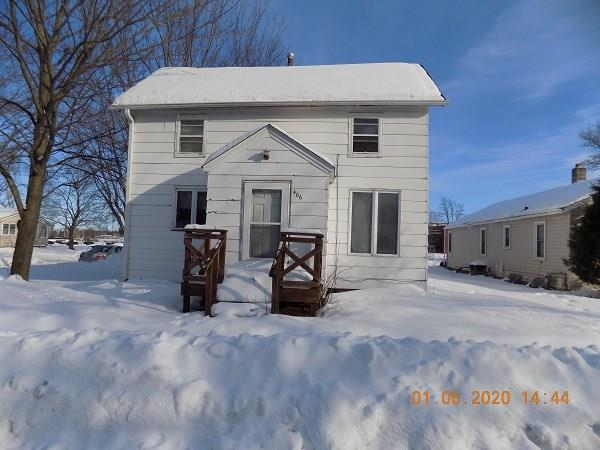 3 bedroom, 1 bath with 2 car detached garage on corner lot. Needs lots of TLC. Water pipes are broken. ALL OFFERS MUST BE SUBMITTED BY THE BUYERS AGENT VIA OFFERSUBMISSION.COM ID# [1625655]. BUYER PAYS $300 FEE AT CLOSING.  ALL CASH ONLY BUYERS MUST INSPECT THE ASSET PRIOR TO OFFER. NO PAPERWORK REQUIRED UNTIL OFFER ACCEPTED THROUGH WWW.OFFERSUBMISSION.COM .