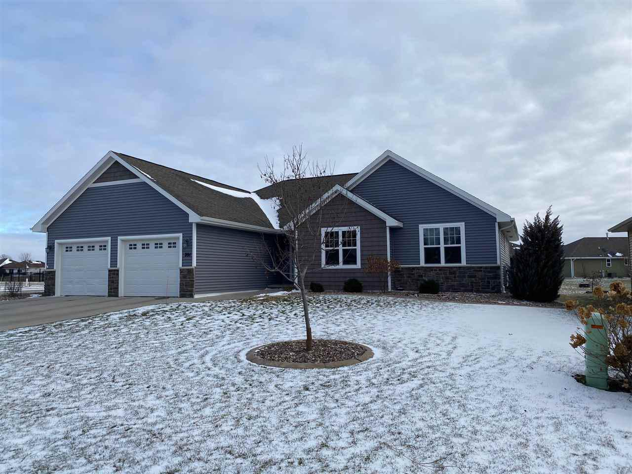 Beautiful subdivision, fully improved w/curb & gutter. Everything you need on main floor plus 2nd rec room in lower level! Bright, white cabinets in kitchen w/open concept kitch/dining area/living room. Walk-in pantry. Lots of southern exposure keeps you cheery on grey days. Master BR w/walk-in shower & walk-in closet. 2 other BRs on main, spacious 2nd bath & addl 1/2 bath! Spend summer outside under beautiful pergola. Pro landscaping. Insulated garage. Easy access to HWYs &  schools. Situated on a spacious corner lot. Built in 2014, this home is low-maintenance & has the floorplan you need