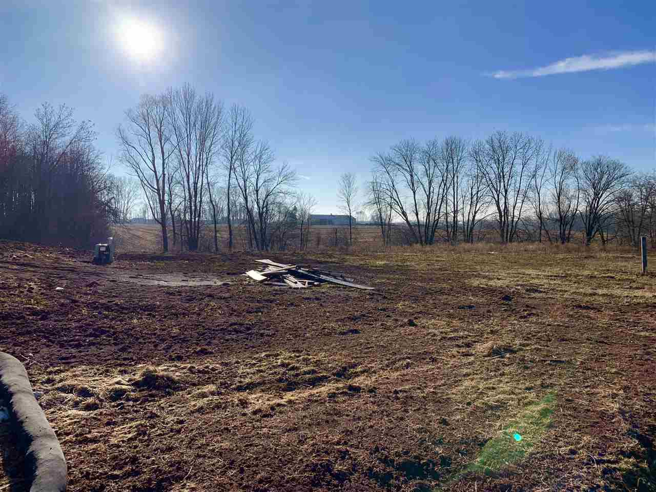 Don't miss out on this Oversized lot to build your new Dream Home! .89 acres mean plenty of space to live and play. Appleton School District, on a dead end street.