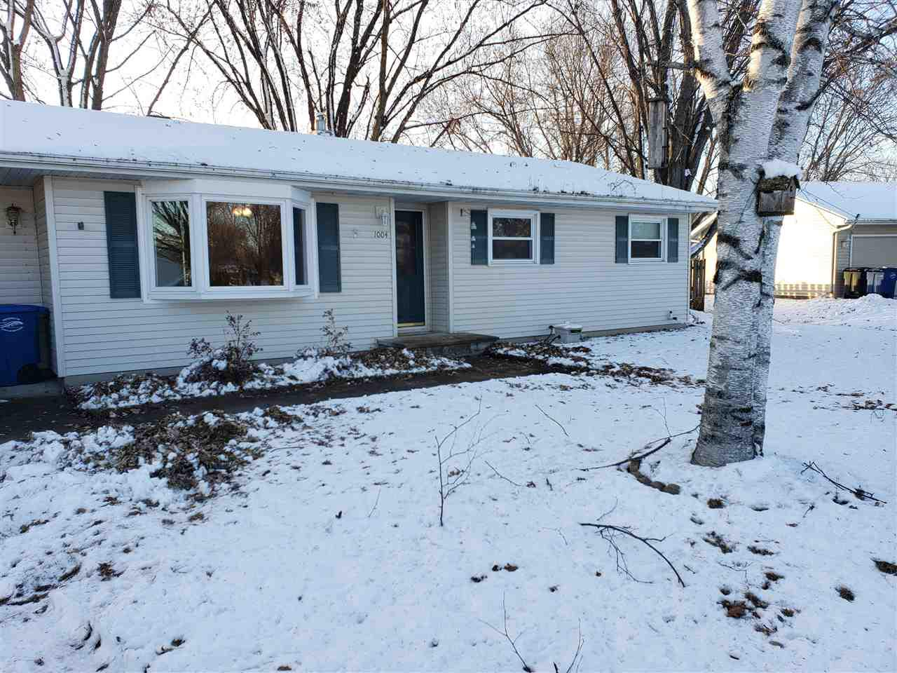 This Ranch home has 3 bedrooms and 2 full baths. Large corner lot with fenced-in backyard shade trees, 2 patio's, garden and fire pit. Being sold as-is. Make it yours! lots of potential awesome location in Fox Crossing.