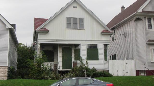 This is a tax foreclosed property.This property is strictly restricted to sale for OWNER/OCCUPANCY only.Sealed Bids due by 02/24/20 by 10:00AM.Additional information can be found on the City of Milwaukee website.