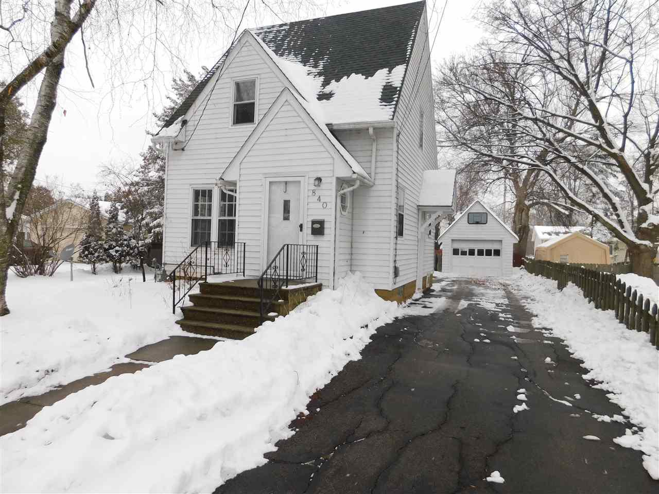 Beautiful cape cod with tons of character in a convenient Menasha location. This home features hardwood floors throughout, stainless steel appliances, and an awesome fenced in backyard.  Schedule your showing today!