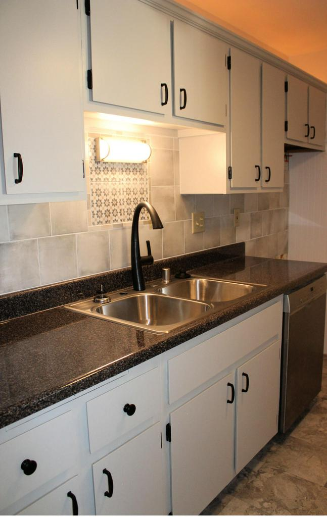 Beautifully updated condo with breathtaking views of pond/river. Updated kitchen and bathroom, new carpet and paint throughout. Move in Ready! Two generous sized rooms with lots of closet space and great views! Open concept living & dining room with a balcony overlooking the water. Updated kitchen with custom back splash and newer appliances. Large laundry room doubles as great storage and pantry space. You will love this condo for all of the great amenities the association has to offer. Beautiful lodge, pool and hot tub as well as exercise equipment and recreation space. TaxID#'s GTNV 22381 and GTNV 223624, the later being the garage. 1 parking space + 1 car garage, southern most unit of building 6, assigned outdoor parking space 4-8.