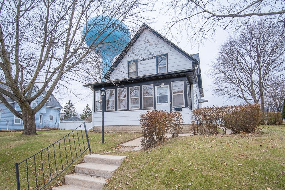 A great family home , centrally located a few blocks from downtown and just up the hill from Regner park. This home has 4 bedrooms, 1 full bath and 1 half bath. Relax in the front porch with windows all around. In the summer a beautiful patio and a pool offer plenty of space for outdoor entertaining.