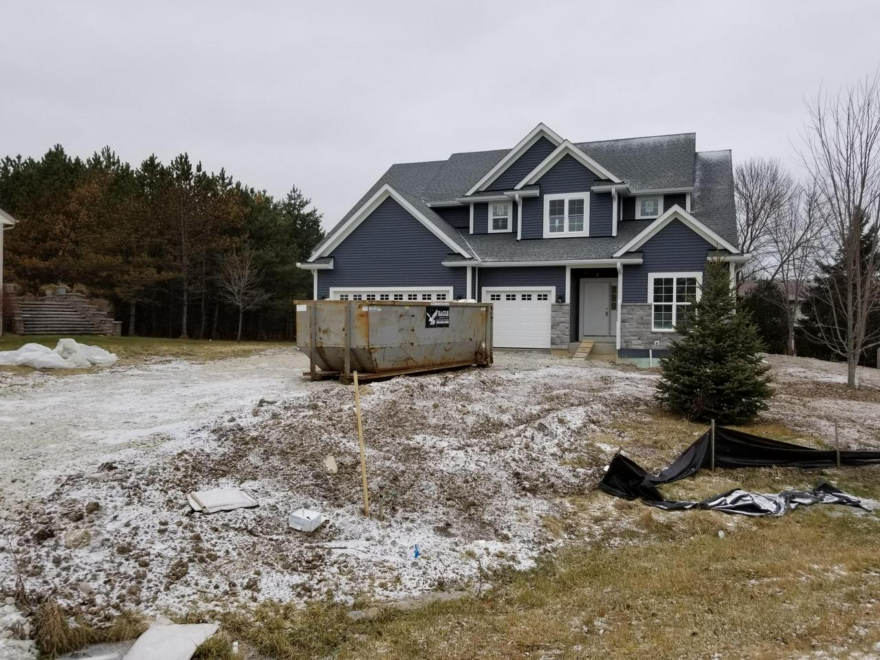 NEW CONSTRUCTION.  4 Bedrm, 2.5 Bath.  Granite tops throughout, Hardwood Floors, Tile Walk-in Shower, Nice finishes. Beautiful location on secluded lot in Cul-de-sac. To be completed early 2019.