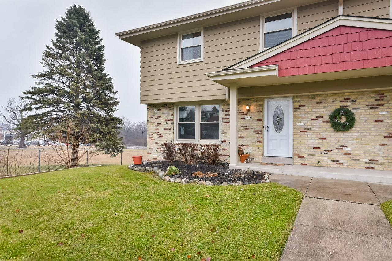 Great opportunity to own a home in Grafton under $160,000! This home has been tastefully updated with stainless steel appliances, and white cabinet so all you have to do is move in and enjoy. Plenty of surface parking in addition to the attached garage. No condo dues at all.