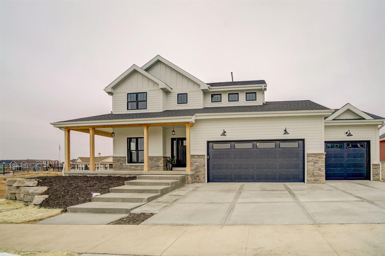 Homes with 5 Bedrooms for Sale in Waunakee WI • Realty