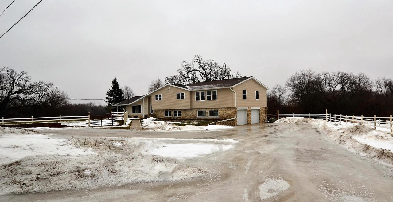 Waterford Wi Homes With Indoor Pool For Sale Realty Solutions Group