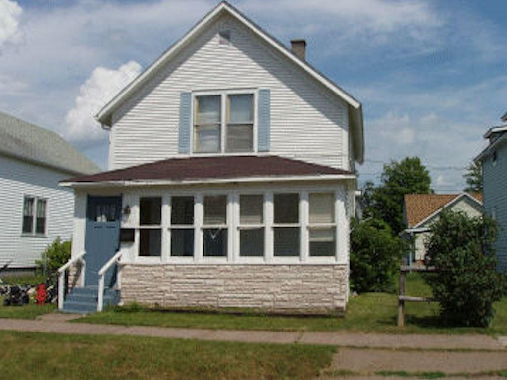 (370) How soon can you move? This three bedroom Park Falls home has spacious rooms, yet is compact and efficient. Eat-in kitchen. Living room opens onto front enclosed porch. Renovate for a rental property. The home is need of some remodeling and updates. Take a look! Priced at $22,500.