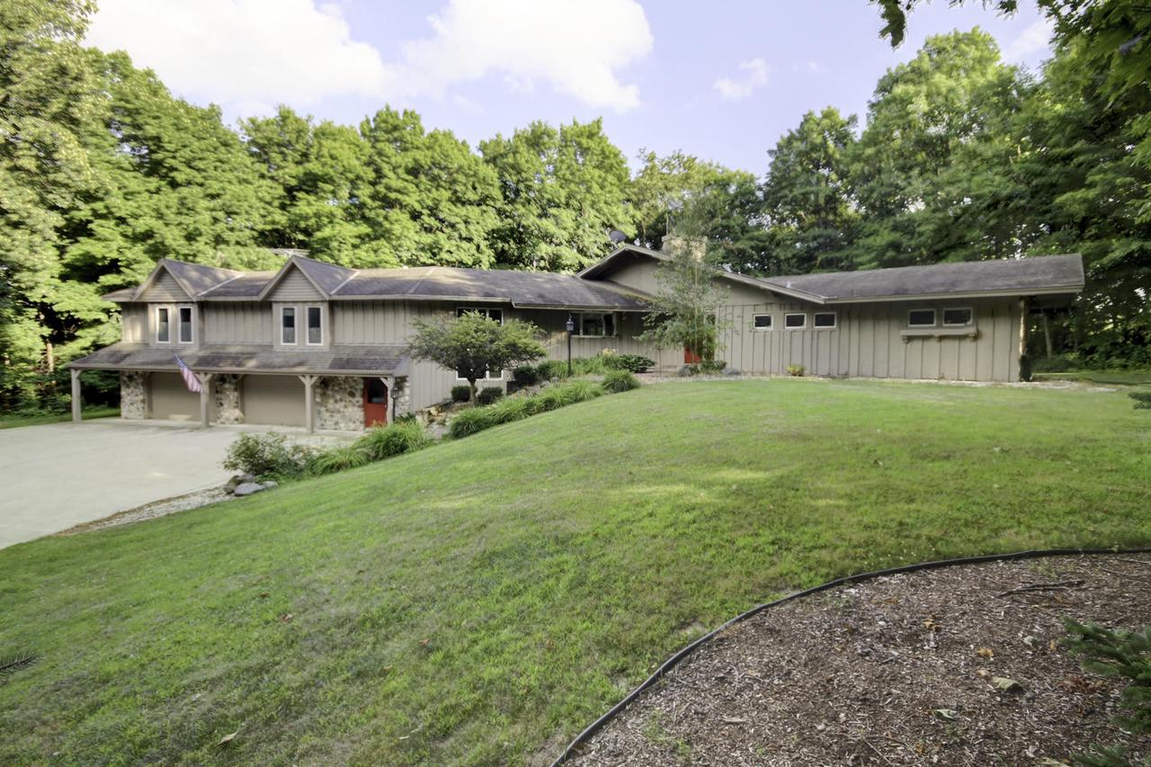 4762 Rolling Hills Dr DRIVE