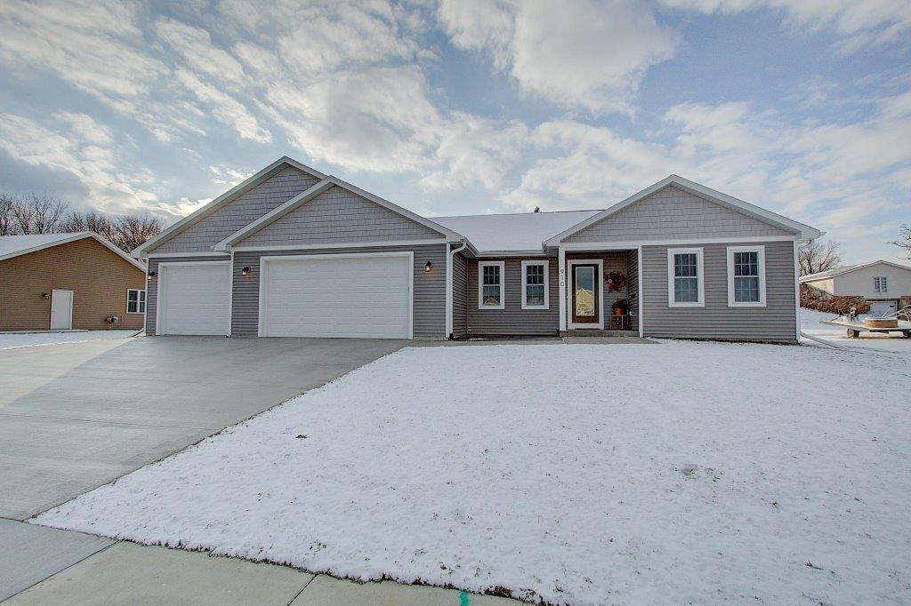 312 FOREST ST STREET, FOX LAKE, WI 53933