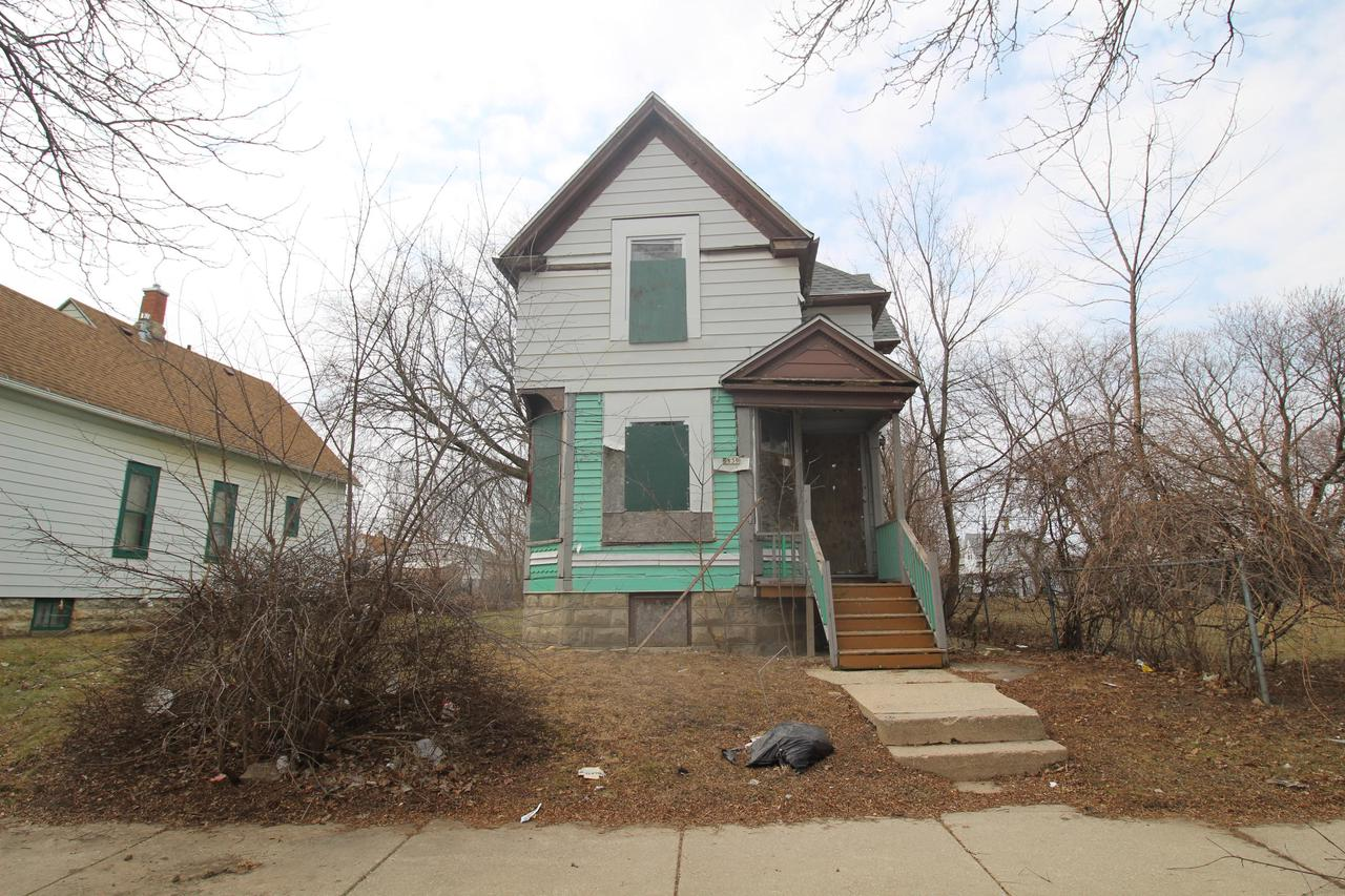 Great opportunity with this home! Includes the vacant lot at 2833 North 6th Street. City of Milwaukee Tax Foreclosure. Property being sold ''AS-IS''. Available to owner occupant or investors. Review the attached scope of work with estimate of renovation costs. Prequalification or proof of funds equal to the purchase price PLUS the scope of work essential repairs required with all offers. Room and lots sizes are estimated and should be verified.Please be careful of tripping hazards