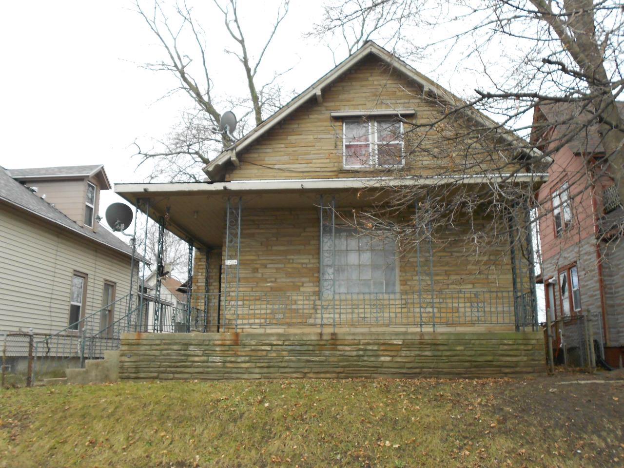 Move in ready 3 bedroom 2 bath home with lots of possibilities of a 4th bedroom or bonus rooms with off street parking.