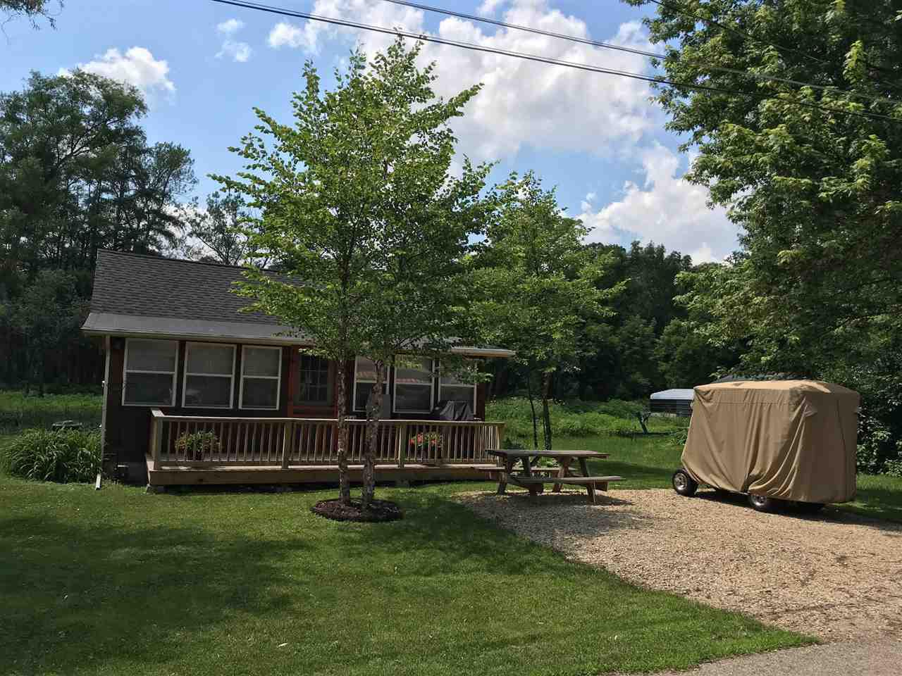 103 In Shade Along Lake Wingra >> Homes For Sale With Pole Barn In Cambridge Wi Realty Solutions Group