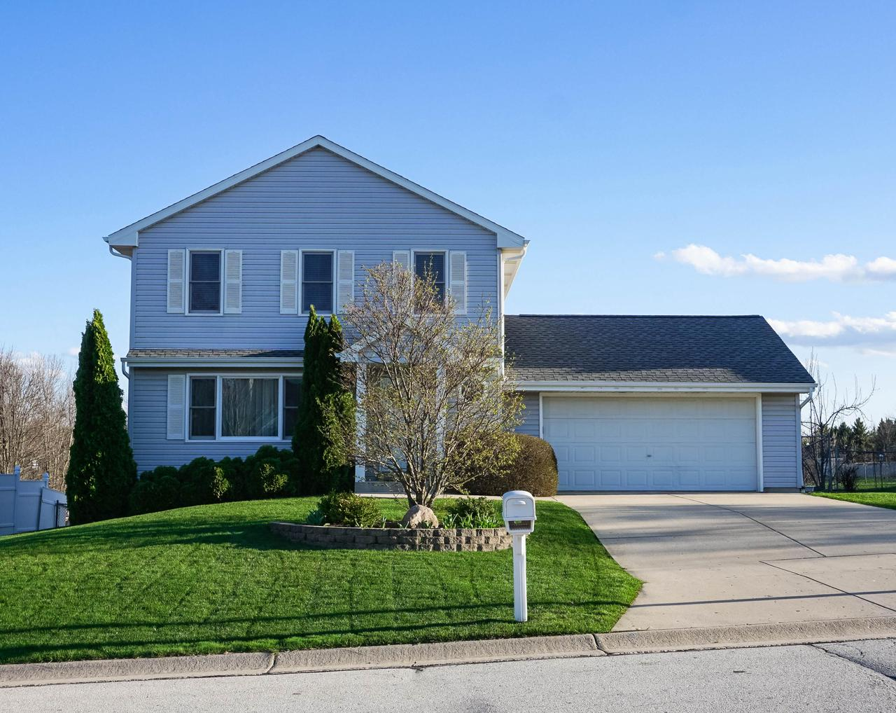 Homes With Walkout Basement For Sale In Oak Creek Wi Realty