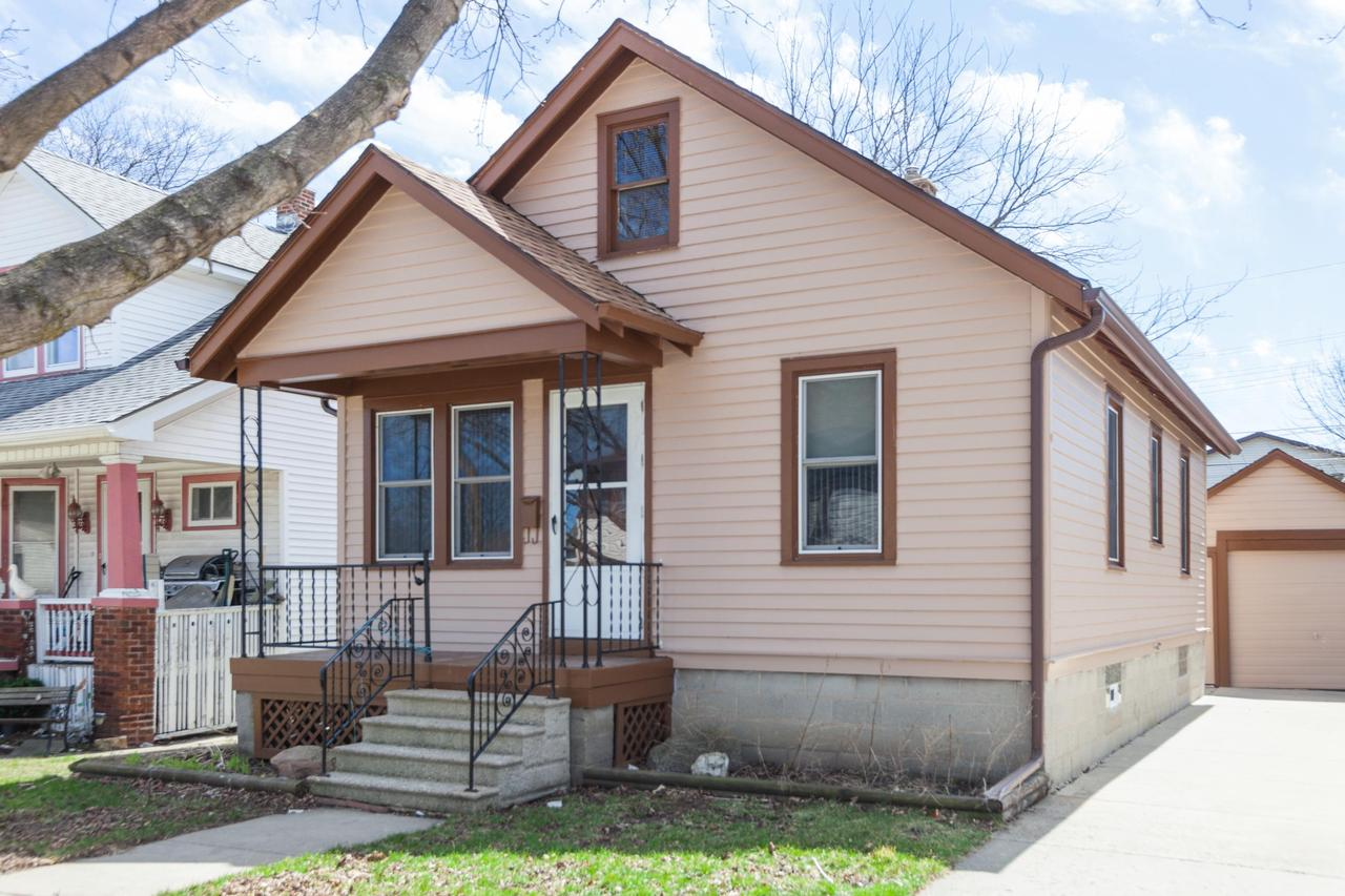 Cheaper than rent! This charming 2 bed/1 bath ranch offers beautiful refinished hardwood floors, fresh neutral paint, new carpet/vinyl. Rec room in the basement for additional living space! Possible room for expansion in walk-up attic. All that's left to do is move in!