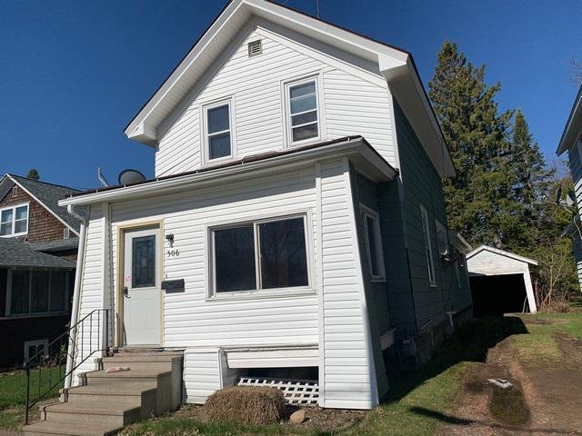 """Nice 3 bedroom, 1 1/2 bath, 1 car detached garage. Has original woodwork and spacious rooms. Auction INFO -- This property has been placed in an upcoming event. All offers should be submitted at https://www.Xome.com (void where prohibited). All offers received while in auction should be by the buyer or buyer?s agent, either by clicking on the ?Bid Now? button if available, on the Property Details page on https://www.Xome.com   """"or"""" submit the offer via email to Auction@Xome.com.,No offers should be submitted via Equator while a property is with an auction vendor.  This property has been placed in an upcoming online event. All bids should be submitted at www.xome.com/auctions (void where prohibited).  All offers received prior to the event period should be submitted by the buyer or buyer's agent by clicking on the ?Make Offer? button on the Property Details page on Xome.com. All offers will be reviewed and responded to within 3 business days. All properties are subject to a 5% buyer?s premium pursuant to the Auction Participation Agreement and Terms & Conditions (minimums will apply). Please contact listing agent for details and commission paid on this property.?  There is an Auction, please see information in associated docs."""