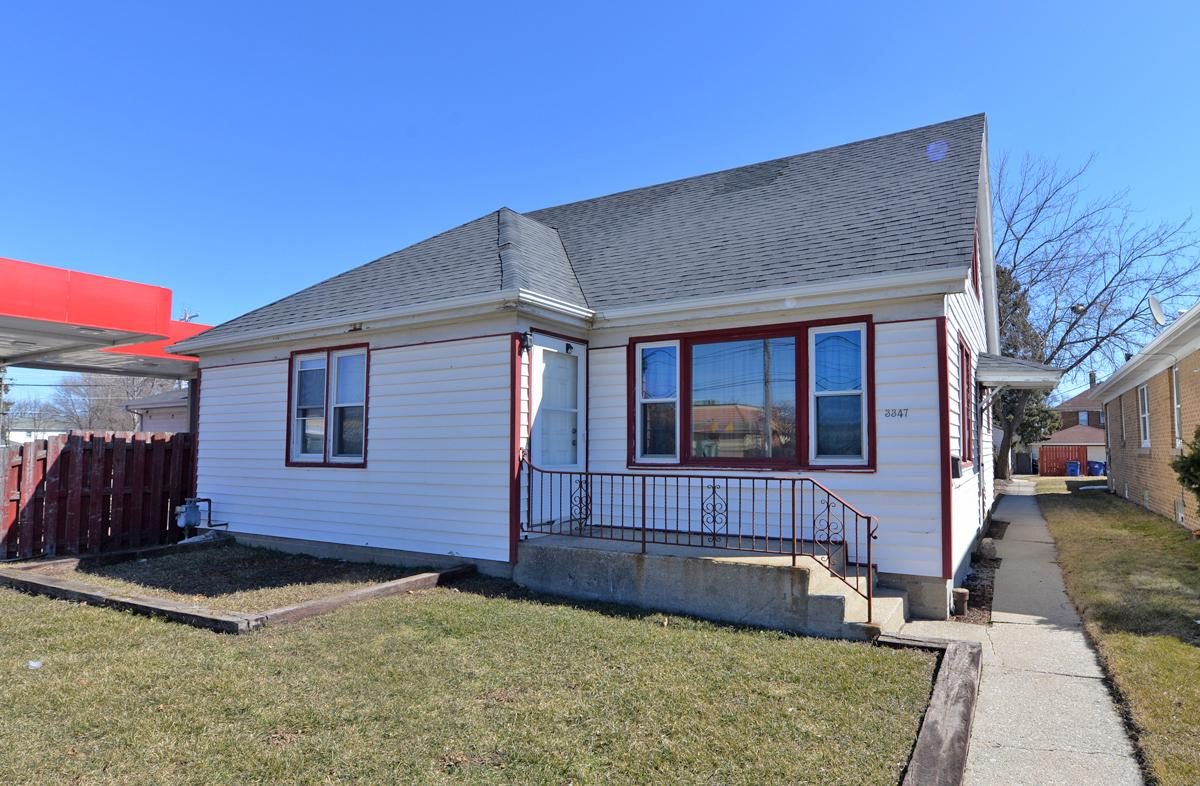 Run your Home Business from home in this North side, 3 Bedroom, 1 Bath, Cape Cod.  Zoned B2 Community Shopping, with a variety of uses. Hardwood flooring in Living room. Nice size kitchen with dining area. 2 separate garages.