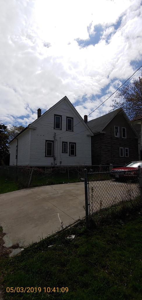 City of Milwaukeee Tax Foreclosure, Large SF Home.See City website for information on forgivable loans and grants. Open to owner occupants and investors. Scope:$90,629.00 Essential Repairs:$51,740.00