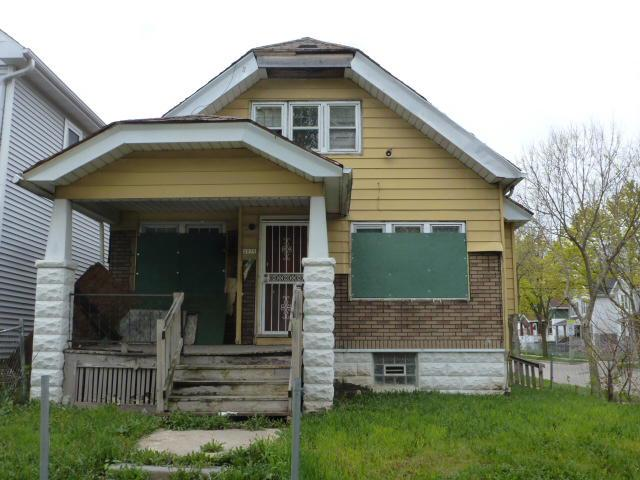 Single family home on Milwaukee's North Side! City Scope of Essential Work is $25,820. This property is being sold in AS-Is Condition. Bring flashlights & use caution when entering. City has Homebuyer Assistance program which provides up to $20,000 to assist w/ the rehab of City-owned foreclosed homes. See attached document or call for more details. Note: Room sizes are estimated. City of Milwaukee Tax Foreclosure Property. OPEN TO INVESTORS.