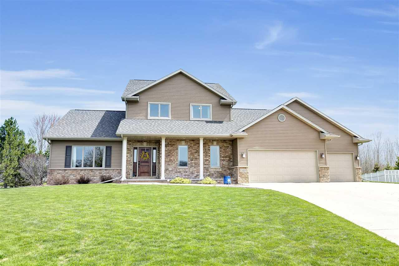 1122 W STARVIEW COURT COURT, GRAND CHUTE, WI 54913