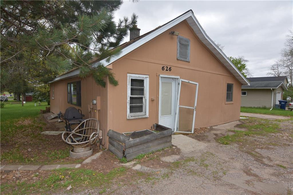 Ranch style home on spacious corner lot in the City of Chetek close to schools and downtown! Great investment opportunity!