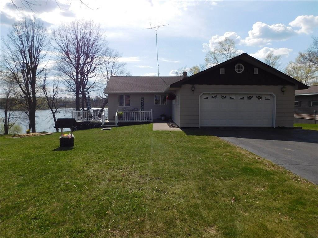 This little diamond in the rough just needs new flooring and paint to make it your dream Lake House. 76' on Upper Turtle Lake one of the areas best fishing and recreation lakes in the area. 90 min to the twin cities.