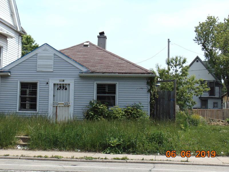 City of Milwaukee REO Tax Foreclosure Home Opportunity sold 'as-is'. Seller and its agents make no representations or warranties regarding the property. All building info (sq ft, age, room, sizes, etc) are from MLS, City Record or estimate. Buyer to verify everything! Pre-approval or proof of funds are REQUIRED with all offers.The essential $34,191 Total scope of work $40,565 Must have funds for purchase and Scope of work combined. Please take a picture of the water meter or its location if missing. Includs Vacantlot at 2524 North 27th Street. Occupancy.