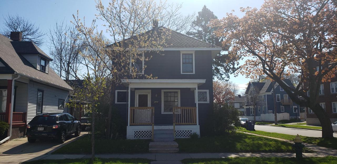 For less that what you pay in RENT you can own!! Come see this quaint home within walking distance from Lake Michigan and minutes from  the Downtown scene! This 3 bedroom 1 bath home will make a great starter home. Set a showing today!