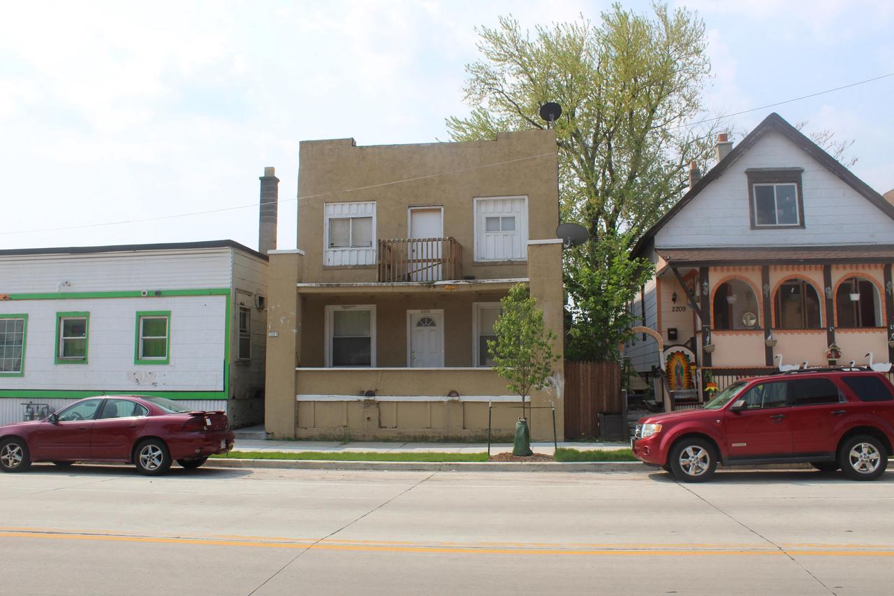 2205 W Greenfield Ave AVENUE -2207, MILWAUKEE, WI 53204
