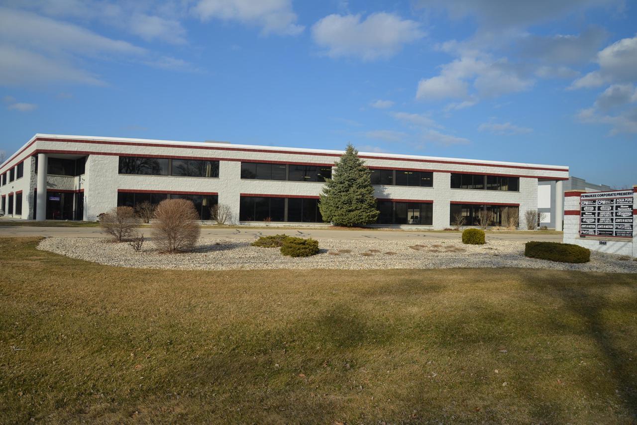 1343 E Wisconsin Ave AVENUE 110, PEWAUKEE, WI 53072