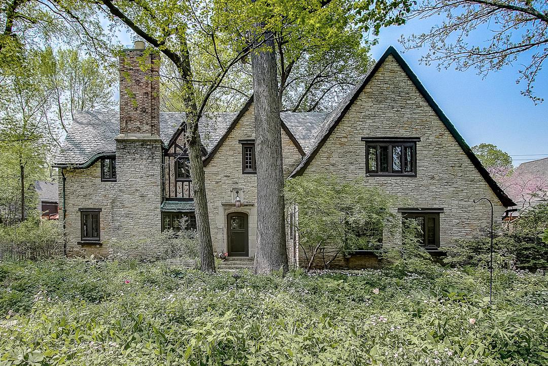 4725 N Wilshire Rd ROAD, WHITEFISH BAY, WI 53211