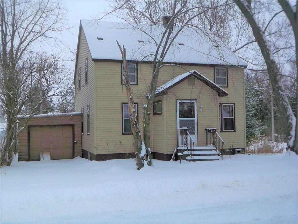 4 bedroom home in a quiet neighborhood near the fairgrounds in Rice Lake. Could use a little updating! Buy for yourself or use as a rental.
