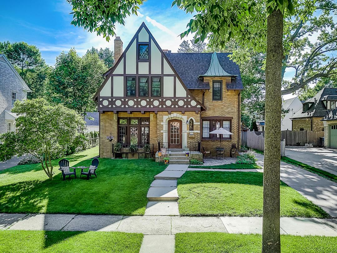 4614 N Murray Ave AVENUE, WHITEFISH BAY, WI 53211
