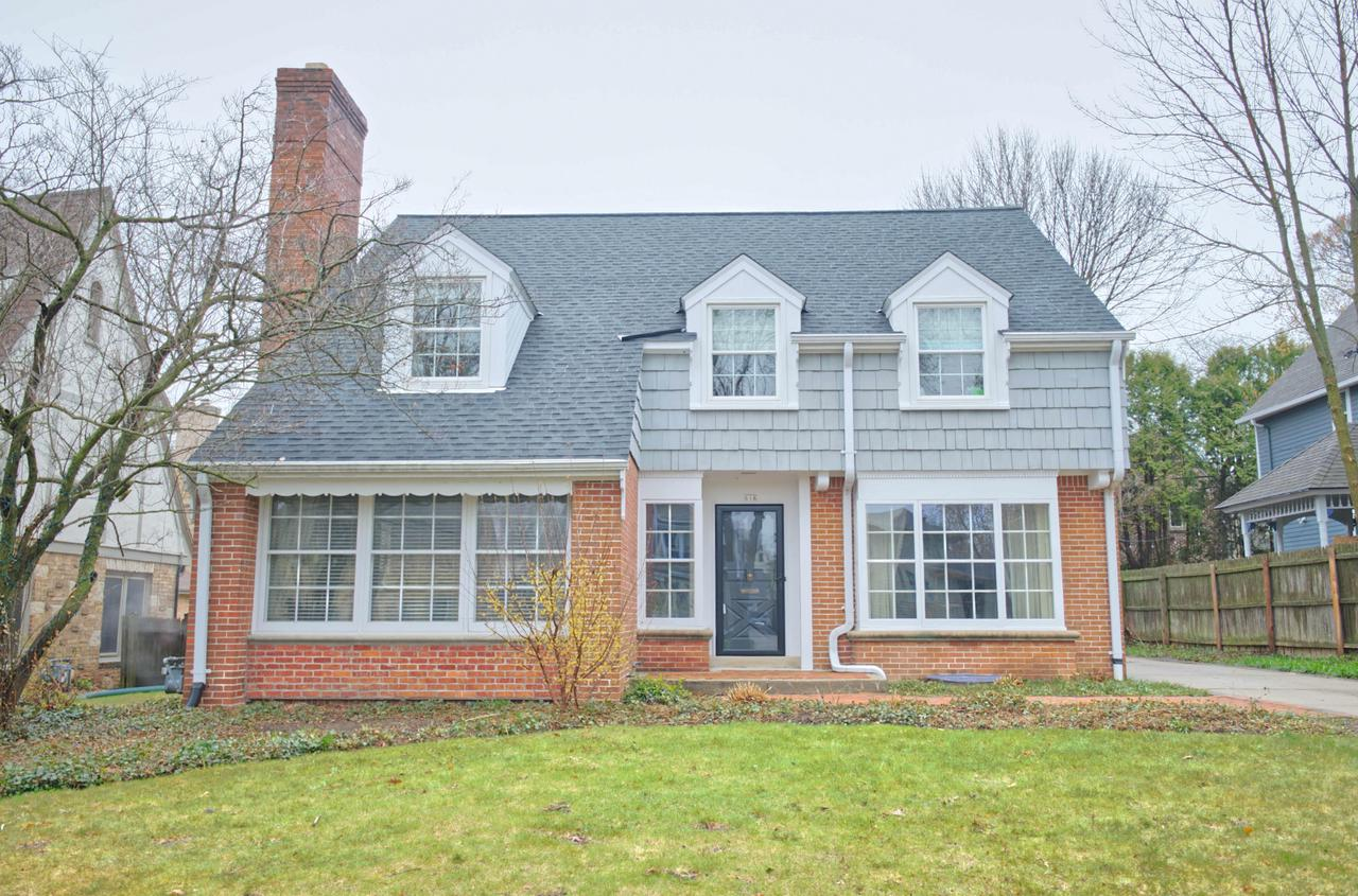 616 E Day Ave AVENUE, WHITEFISH BAY, WI 53217