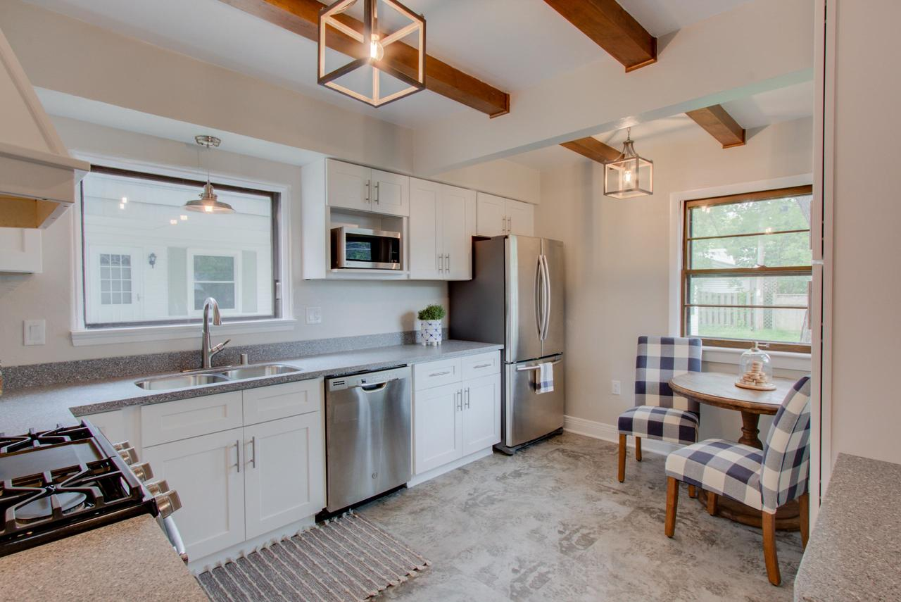 4744 N Hollywood Ave AVENUE, WHITEFISH BAY, WI 53211