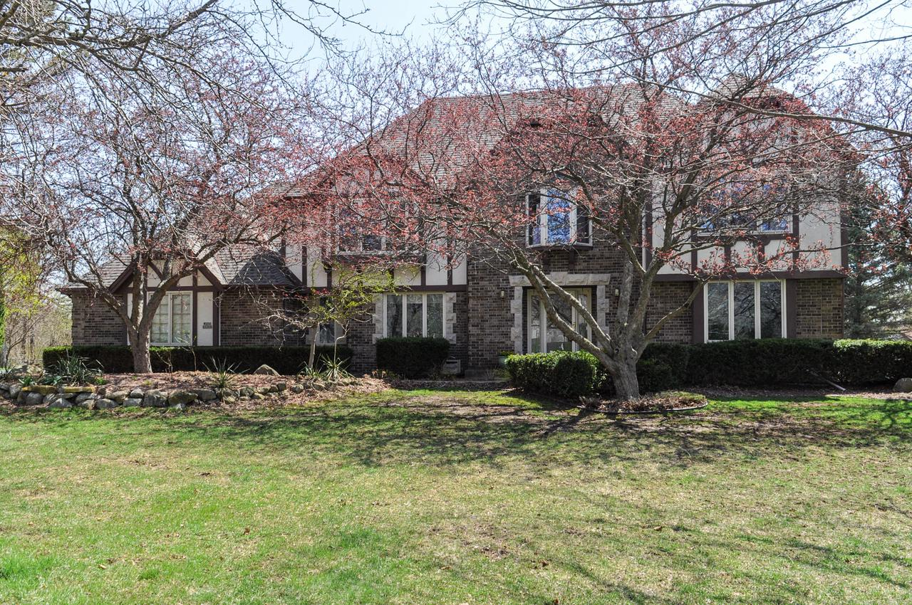 W236N3360 Fieldside Ct COURT, PEWAUKEE, WI 53072
