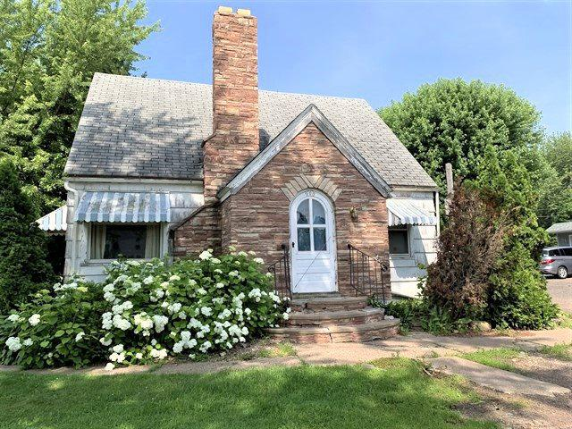 215 S 4TH STREET STREET, ABBOTSFORD, WI 54405