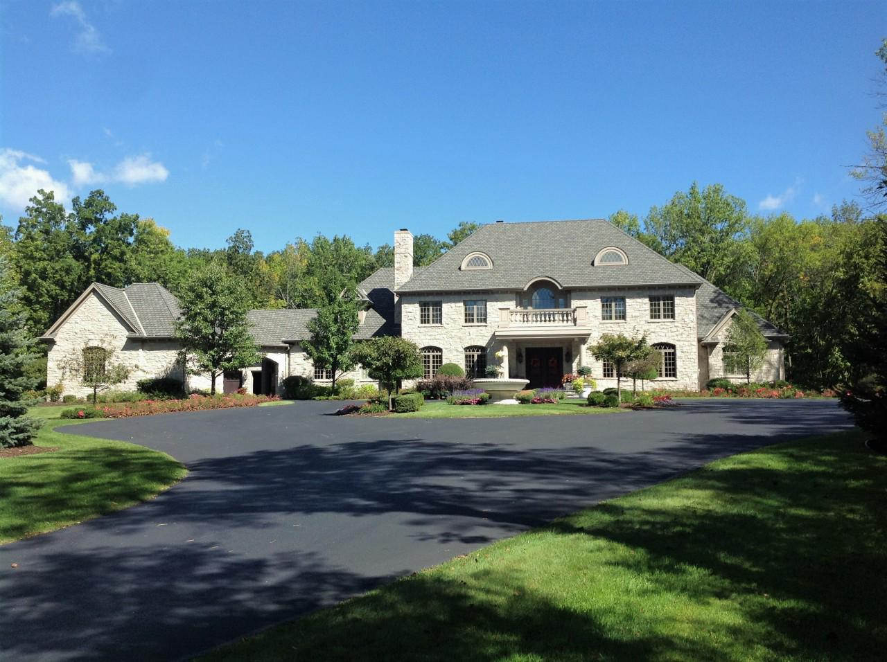 2640 W Fairy Chasm Rd ROAD, RIVER HILLS, WI 53217