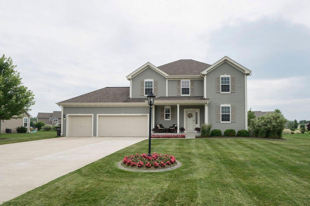 N42W22833 Beacon Ct COURT, PEWAUKEE, WI 53072