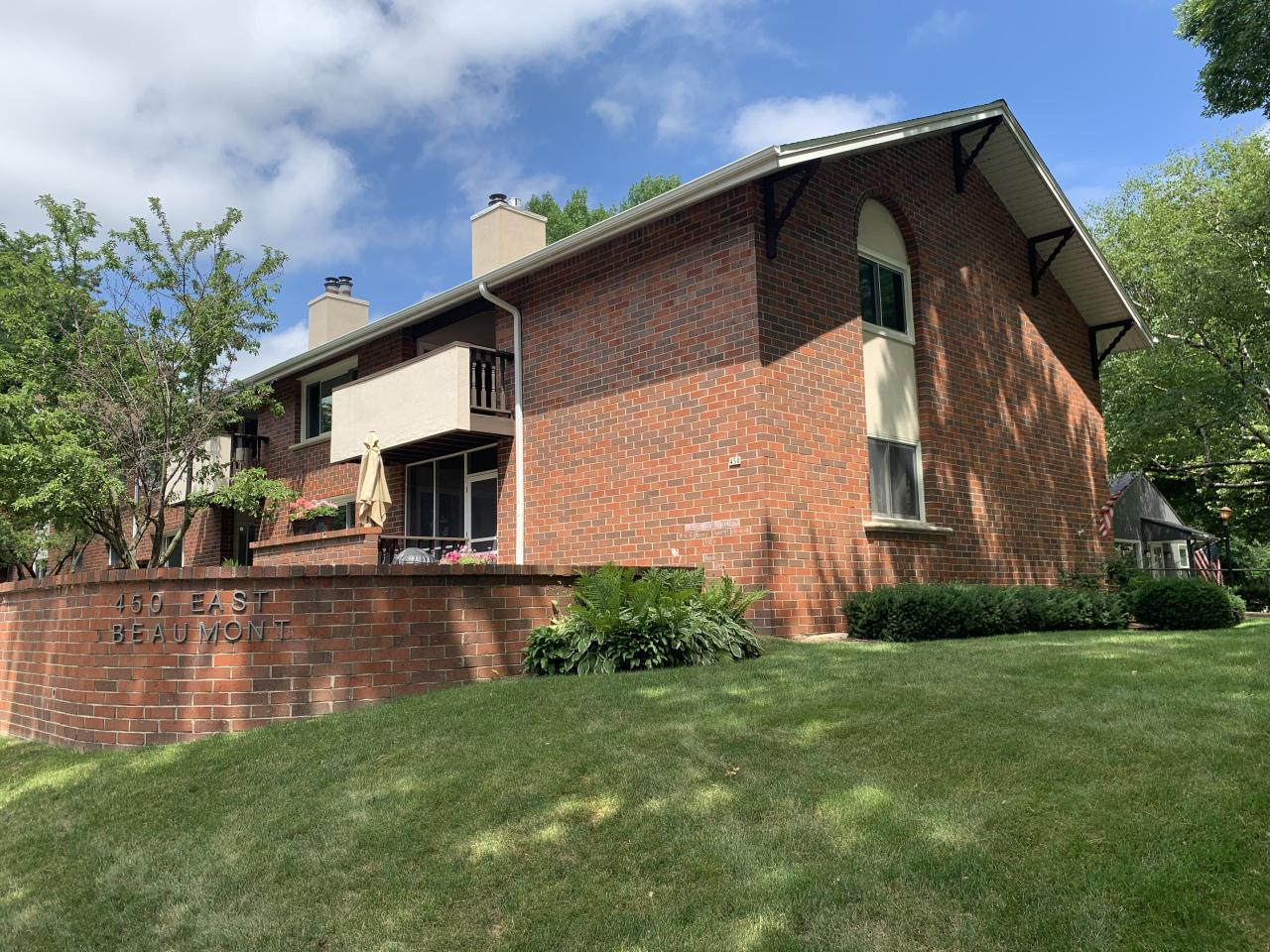 450 E Beaumont Ave AVENUE 2001, WHITEFISH BAY, WI 53217